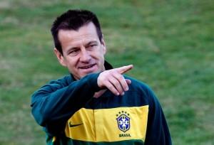 Dunga é o novo técnico da Seleção e será apresentado nesta terça-feira