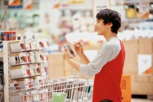 Homens são responsáveis por um terço das compras em supermercados