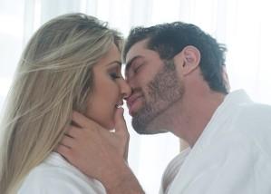 Tatiele Polyana e Roni esquentam o clima de romance pós-BBB