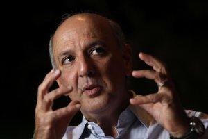 Arruda lidera pesquisas no DF, apesar da candidatura impugnada