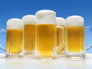 Mundo comemora o Dia da Cerveja e o setor apresenta novidades