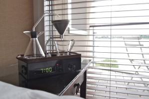 Designer britânico cria despertador que também faz o café