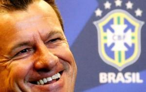 Dunga convoca dupla do Cruzeiro e mantém 10 jogadores da Copa-2014