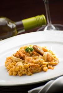 Culinária brasiliense varia de comidas regionais brasileiras a pratos internacionais